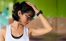 Giảm đau mỏi vai, cổ, gáy hiệu quả với bài yoga đơn giản