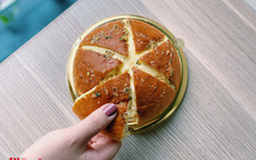"""Giải mã món bánh mì đang khiến hội chị em """"truy lùng"""" khắp nơi"""