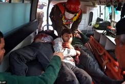 Taliaban tấn công trường học, giết hơn 100 người, trong đó có 84 học sinh