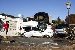 """Bão như """"ngày tận thế"""" ở Pháp, 3 thành phố tan hoang, 19 người chết"""