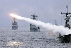 Ba hạm đội Nga đồng loạt khai hỏa