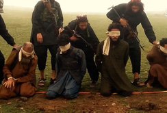 IS lại tung chiêu giết người ghê rợn: Kích nổ bom giết tù nhân