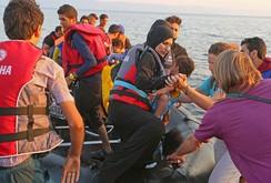 Anh xem xét tiếp nhận 15.000 người tị nạn