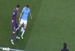 """Messi gây bão thế giới bóng đá bằng pha """"xỏ kim"""" tuyệt đỉnh"""
