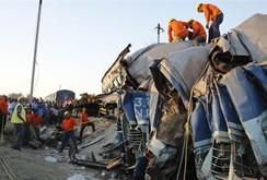 Tai nạn tàu hỏa khủng khiếp, ít nhất 32 người chết