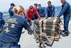 Mỹ bắt tàu tự hành chở đến 7 tấn ma túy