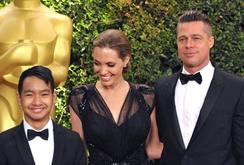 Angelina Jolie làm phim giúp ngành du lịch Campuchia
