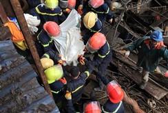 Vụ sập giàn giáo ở Formosa: Cắt sắt, bới bê tông kiếm người bị nạn