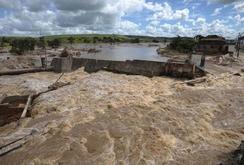 Vỡ đập chất thải quặng sắt tại Brazil, hàng chục người chết và mất tích