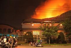 Đồng Nai: Cháy 3.000 m2 nhà xưởng trong đêm