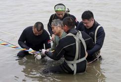 Trung Quốc: Tàu chở 458 người chìm trên sông Dương Tử