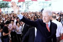 Cựu tổng thống Mỹ Bill Clinton lần thứ 5 đến Việt Nam