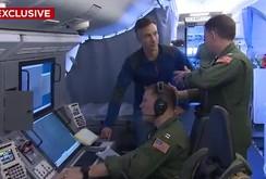 Video hải quân Trung Quốc đuổi máy bay Mỹ trên Biển Đông