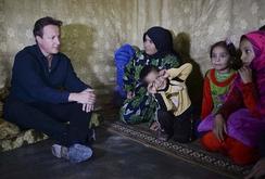 Thủ tướng Anh bất ngờ thăm người tị nạn