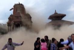 Clip ngôi đền cổ Bhaktapur ở Nepal bị động đất tàn phá