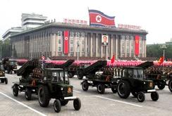 Triều Tiên khoe tên lửa đạn đạo, máy bay không người lái
