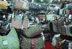 Hơn 17.000 sản phẩm nhái hàng hiệu bị phát hiện