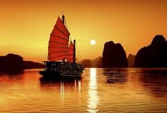 Vịnh Hạ Long lọt top kỳ quan đáng kinh ngạc trên thế giới