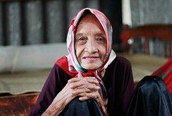 """""""Người phụ nữ cao tuổi nhất thế giới"""" của Việt Nam sống như thế nào?"""