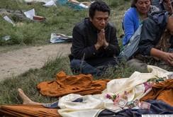 Nước mắt trong lễ hỏa táng nạn nhân động đất ở Nepal