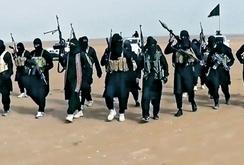 Video IS tấn công tàu Ai Cập bằng tên lửa