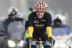 Ngoại trưởng John Kerry bị gãy xương đùi vì đi xe đạp