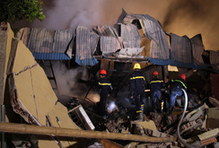 Hỏa hoạn thiêu rụi 10 kho hàng, thiệt hại hàng tỉ đồng
