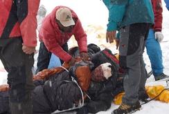 Video trận lở tuyết khủng khiếp trên đỉnh Everest