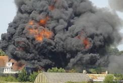 Chiến đấu cơ Anh lao xuống cao tốc, 7 người chết