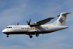 Máy bay của Indonesia chở 54 người lao vào núi
