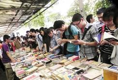 Phóng sự: Hấp dẫn với Ngày hội sách cũ 2015