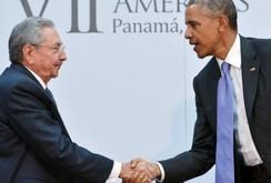 Cái bắt tay lịch sử giữa tổng thống Mỹ và chủ tịch Cuba