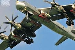 Sốc: Máy bay ném bom chiến lược TU-95MSM gắn tên lửa hành trình