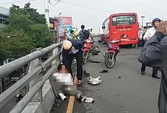 Xe Phương Trang tông hàng loạt xe máy, 8 người bị thương