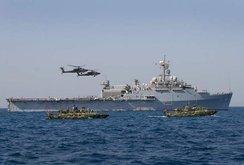 Thượng nghị sĩ Mỹ: Cứ tiến vào 12 hải lý, Trung Quốc không dám làm gì đâu…