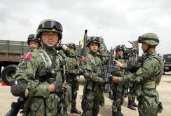 """Tướng Trung Quốc kêu gọi """"sẵn sàng chiến đấu"""""""