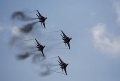 Video lần đầu tiên Nga không kích IS ở Syria