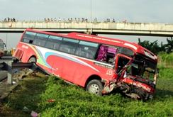 5 ô tô đâm liên hoàn trên cao tốc Trung Lương, 1 người chết