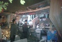 Bình Thuận:  2 xe khách đối đầu, 10 người chết