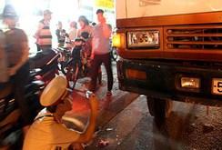 Thiếu nữ 15 tuổi tử vong dưới bánh xe tải