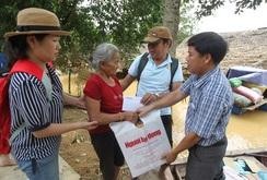 Báo Người Lao Động cứu trợ lũ lụt ở Hương Khê, Hà Tĩnh và Quảng Bình