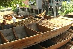 Phóng sự: Làng đóng xuồng Long Hậu đìu hiu vì không có lũ