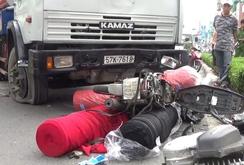 Xe bồn chở xăng đại náo cầu Chánh Hưng, 3 người bị thương nặng