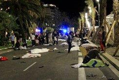Video: Những hình ảnh kinh hoàng vụ khủng bố bằng xe tải ở Pháp