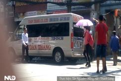 Hai đường mới cấm đậu xe ở TP HCM: Xe vẫn đậu, mặc kệ biển cấm!