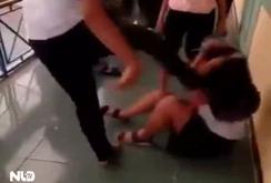 Xôn xao clip nữ sinh lớp 7 ở Huế bị đánh hội đồng