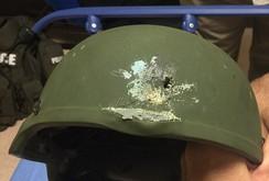 Chiếc mũ cứu mạng viên cảnh sát trong vụ xả súng