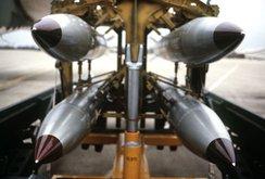 Bản tin NLĐ ngày 19-8: Mỹ chế tạo bom hạt nhân thông minh