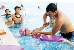 Phóng sự: Phổ cập bơi lội để chống đuối nước