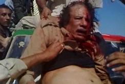 Video Gaddafi cầu xin tha mạng trước khi bị phiến quân Libya xử tử